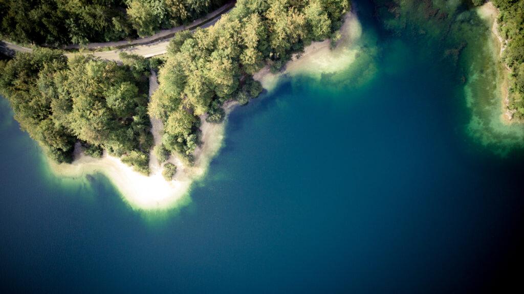 Le lac de Bohinj vu du ciel